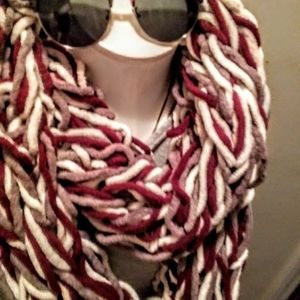 GORGEOUS THICK INFINITY SCARF. AN ESSENTI